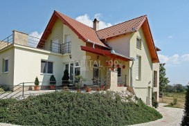 Family House - 2632