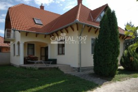 Family House - 3122