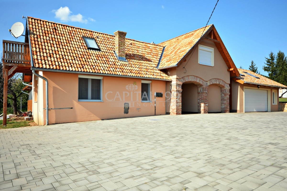 Family House - 3504